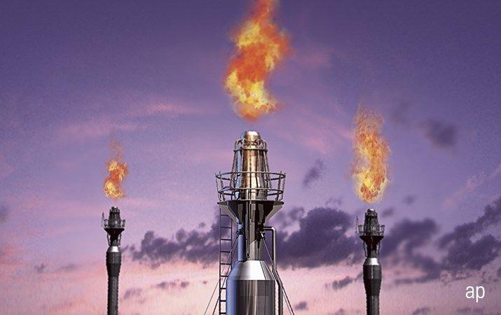 Krach na rynku ropy naftowej i wojna cenowa. Co się wydarzyło i dlaczego ropa będzie tanieć?