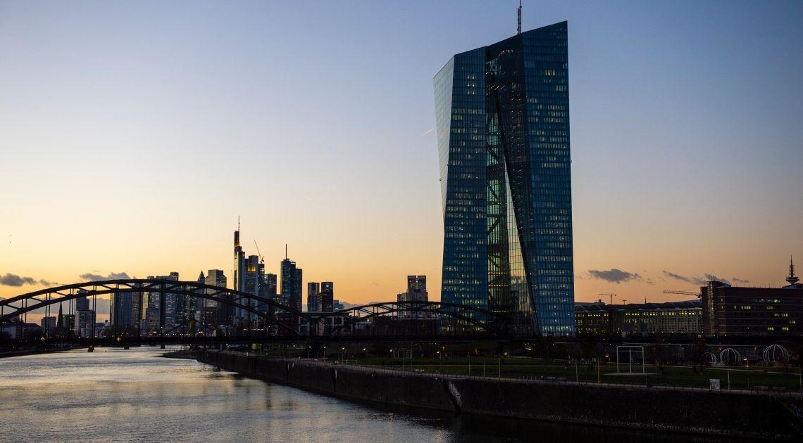Kryzys zmusił EBC do działania. Europejski Bank Centralny pod presją