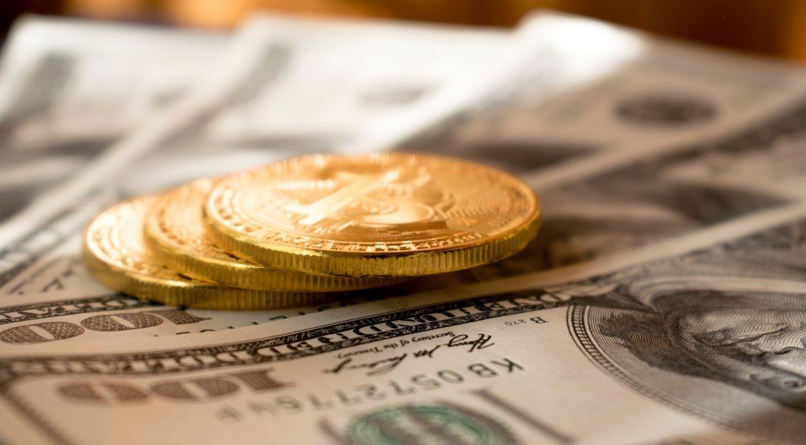 Kurs Bitcoina czeka na impuls przy opadającym wolumenie. Ripple, EOS i Binance Coin w górę