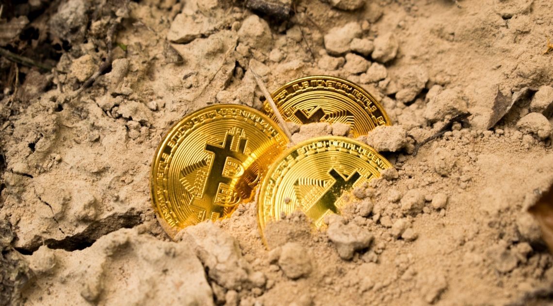 Kurs Bitcoina denerwuje. BTC/USD z minimalną zmiennością. Ethereum i Ripple w górę