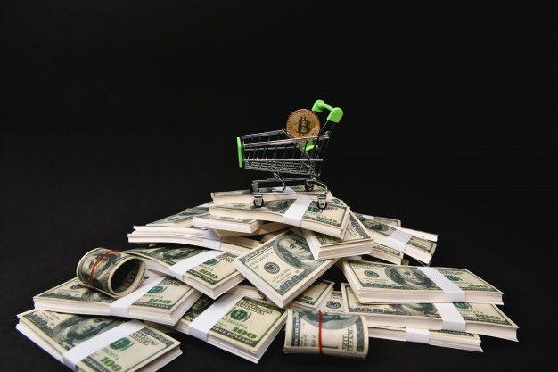 Kurs Bitcoina w dół. Bill Gates ostrzega: jeśli masz mniej pieniędzy niż Elon Musk – uważaj!
