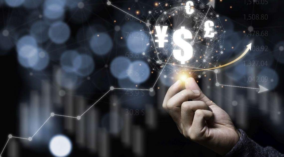 Kurs dolara amerykańskiego. Odpowiadamy na pytanie: czy USD jest akumulowany oraz jaka przyszłość czeka światową walutę?
