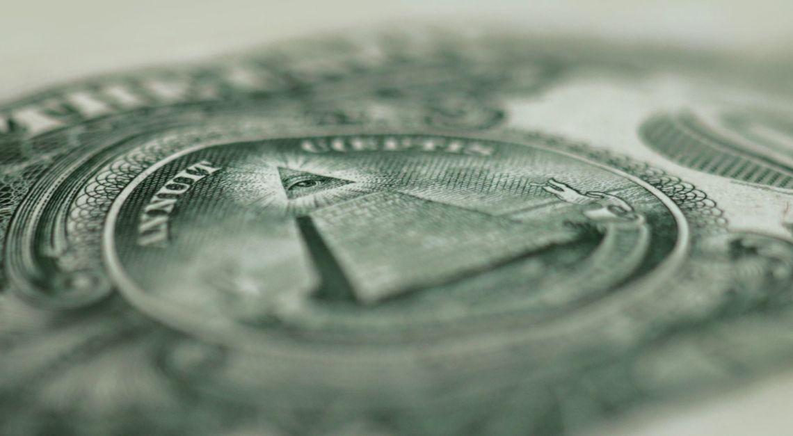 Kurs dolara najsłabiej od dekady! Amerykańska waluta odsyła do szkoły. Na jak długo?