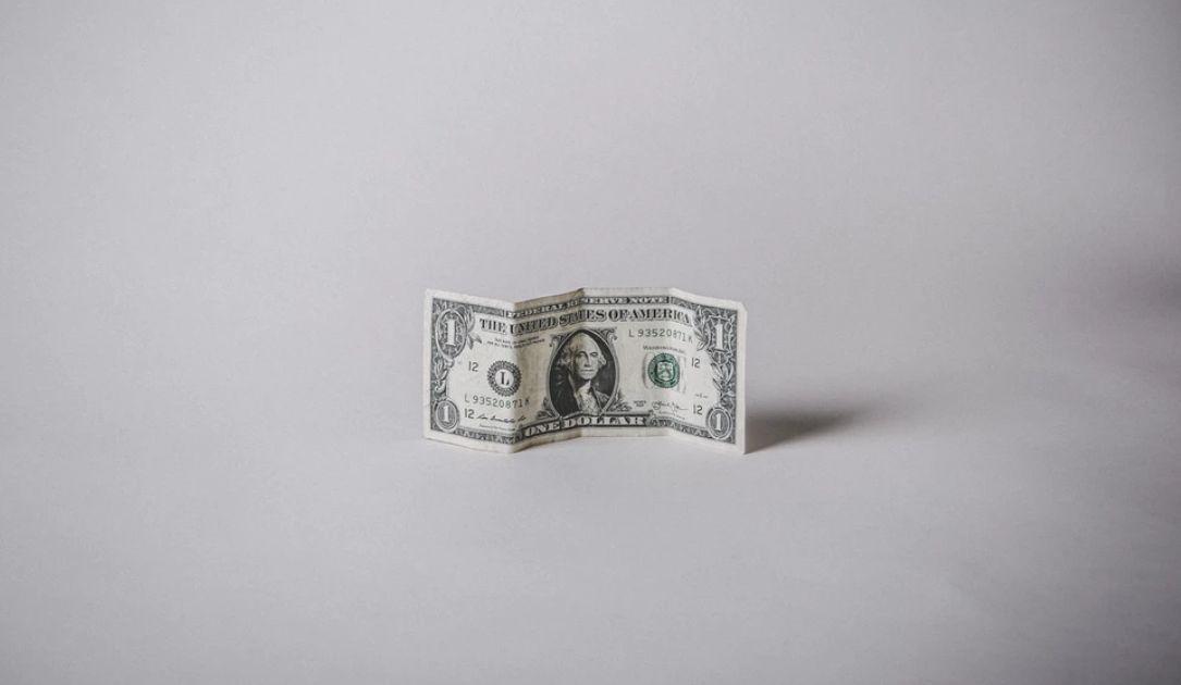 Kurs dolara przy 3,97 zł. Frank w pobliżu 4,20 PLN. Złoty stabilny w oczekiwaniu na dane z rynku pracy w USA