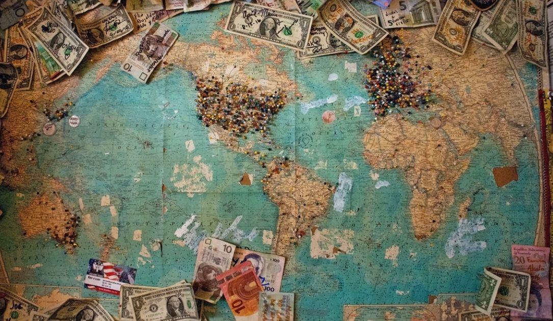 Kurs dolara rośnie względem złotego. Waluty Azji znajdują się pod coraz większą presją