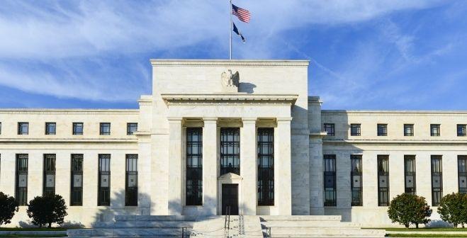 Kurs dolara USD będzie się umacniał słabością innych walut? Rola Fedu