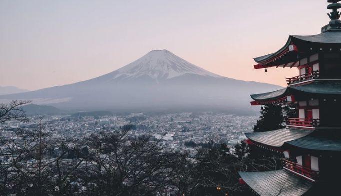 Kurs dolara USD do jena zbliżył się do lokalnego oporu. Poprawa nastrojów wokół euro. Chwiejny optymizm?