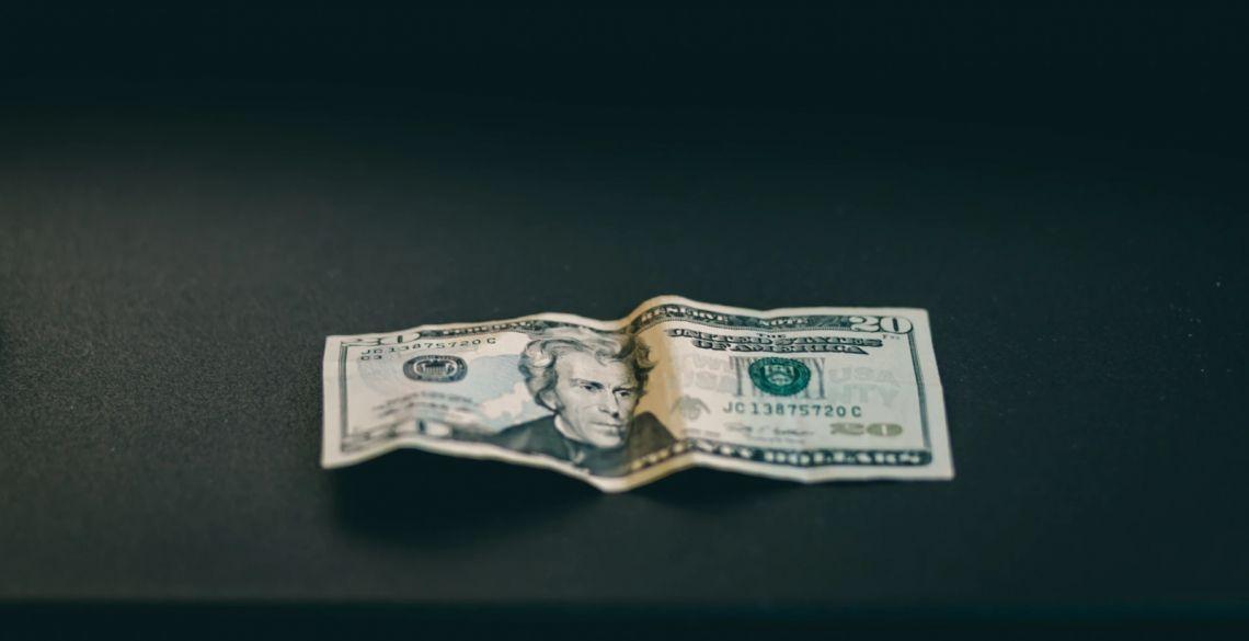 Kurs dolara (USD) w konsolidacji. Euro (EUR) kończy jak zaczynało. Kursy walut na rynku Forex