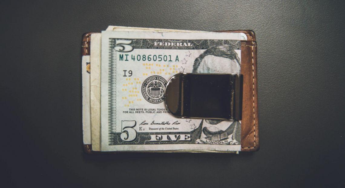 Kurs dolara w górę aż o 10 groszy! Euro także potężnie zyskuje. Otrzeźwienie czy chwilowy zawrót głowy?