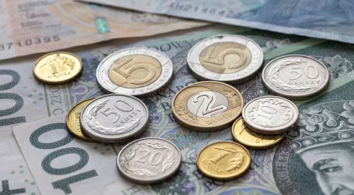 Kurs dolara w okolicach 3,86 złotego. Euro zbliża się do 4,26 PLN. Globalny risk-off może zaciążyć polskiej walucie
