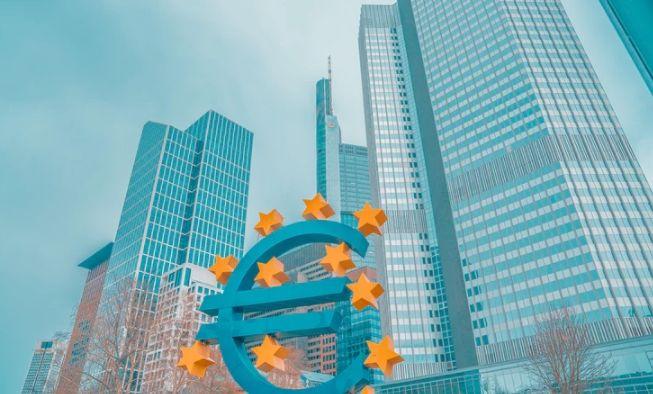 Kurs dolara w stosunku do euro. Bezrobocie w dół, a kiedy stopy procentowe? FED studzi głowy inwestorów