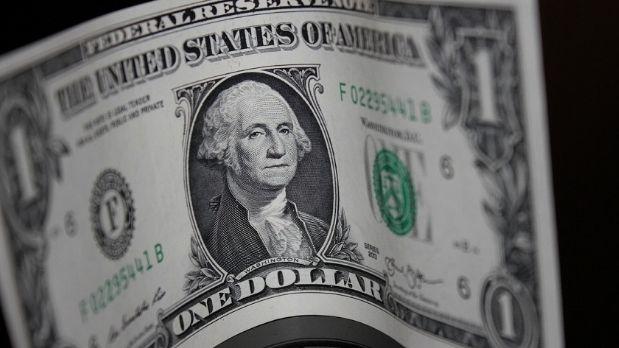 Kurs dolara zaczyna nieco oddawać pola. Odbicie z powrotem do poziomu 1,11 na EUR/USD