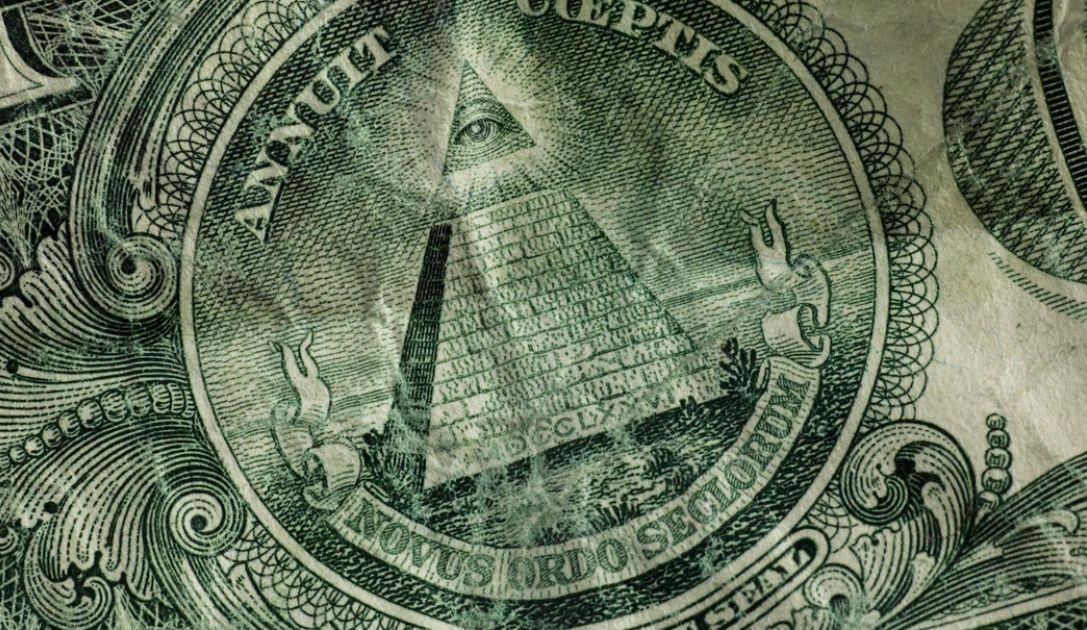 Kurs dolara zbliża się do 4 złotych. Nie tylko złoto ostrzega przed ryzykiem