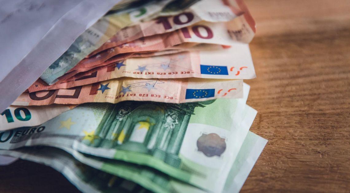 Kurs euro będzie szedł w górę. Rada Polityki Pieniężnej obniży stopy procentowe? Kto da więcej? Każdy, kto tylko może