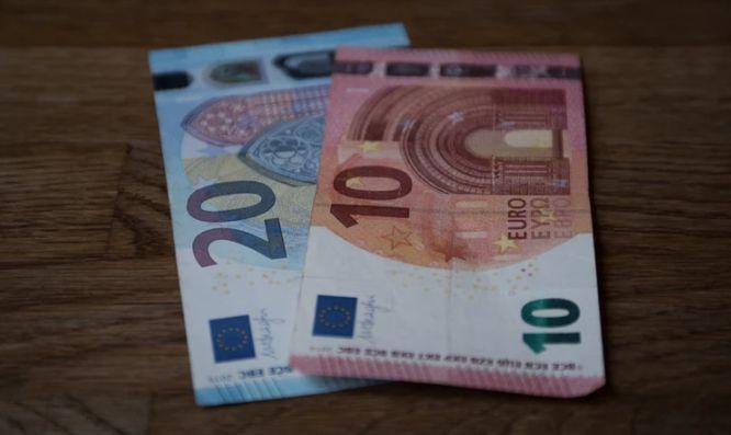 Kurs euro do dolara (EUR/USD) odnalazł wsparcie. CPI z UE oraz sprzedaż detaliczna z USA w centrum uwagi