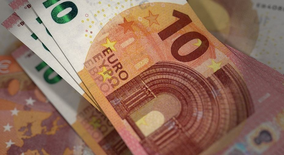 Kurs euro do dolara EURUSD z dużą szansą na wzrosty? Wykres tygodnia