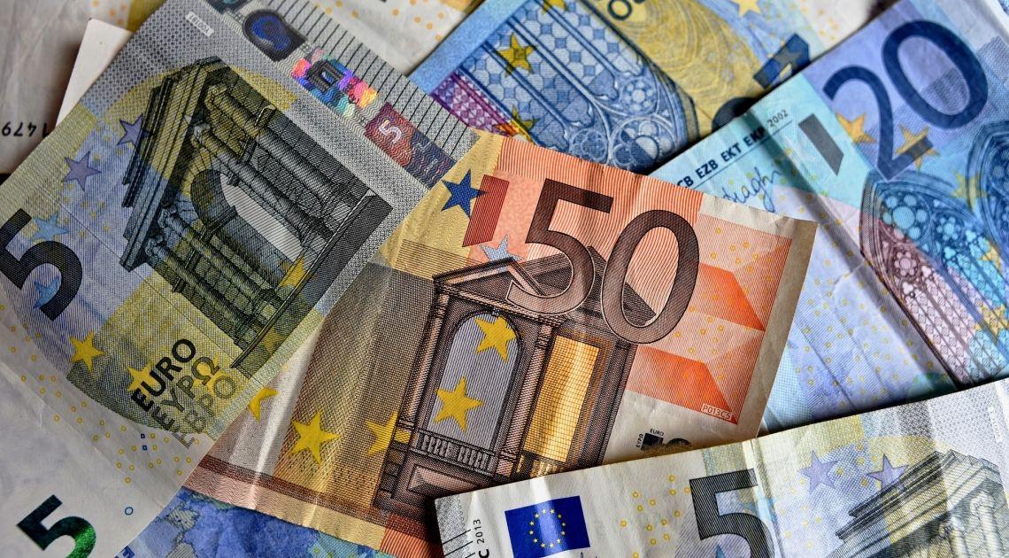 Kurs euro do dolara może przełamać 1.1280. Euro może spadać przez kolejne miesiące aż do 1.00