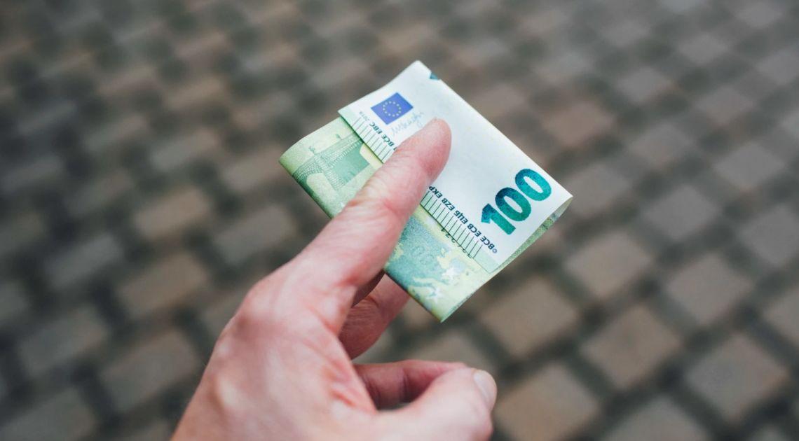 Kurs euro do dolara próbował naruszyć istotną barierę. Sytuacja na rynkach finansowych