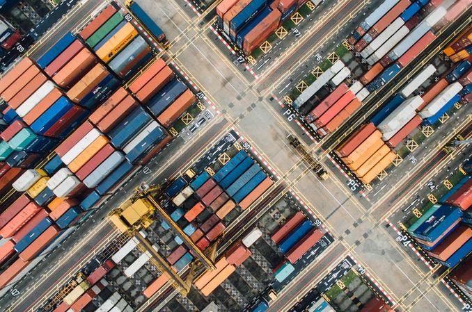 Kurs euro do złotego EUR/PLN oferuje bardzo stabilne warunki dla eksporterów i importerów