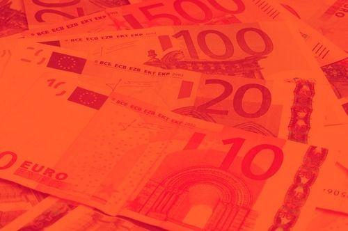 Kurs euro do złotego mocno traci. Prezentujemy możliwy scenariusz spadkowy