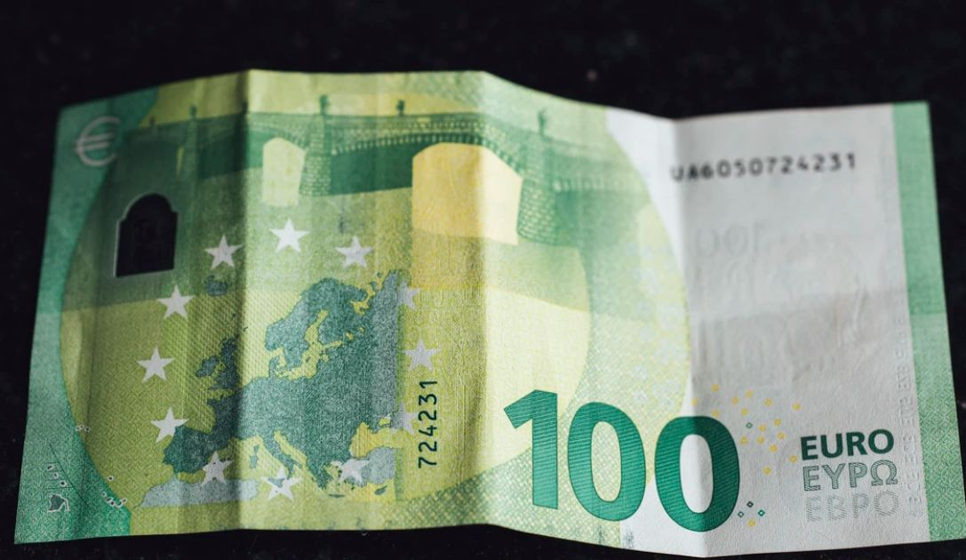 Kurs euro (EUR) do dolara (USD) podszedł pod poziom 1,0850. Waluty nowozelandzka i australijska w górę