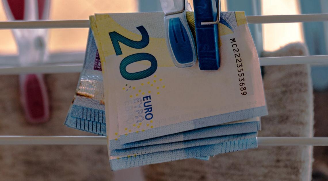 Kurs euro (EUR) do dolara (USD) w trendzie wzrostowym. Europa gotowa na odbicie, dane z USA w centrum uwagi