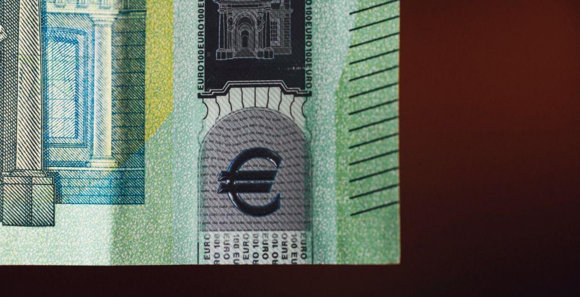 Kurs euro (EUR) rośnie względem dolara (USD). Sytuacja na rynkach. Markowany optymizm...