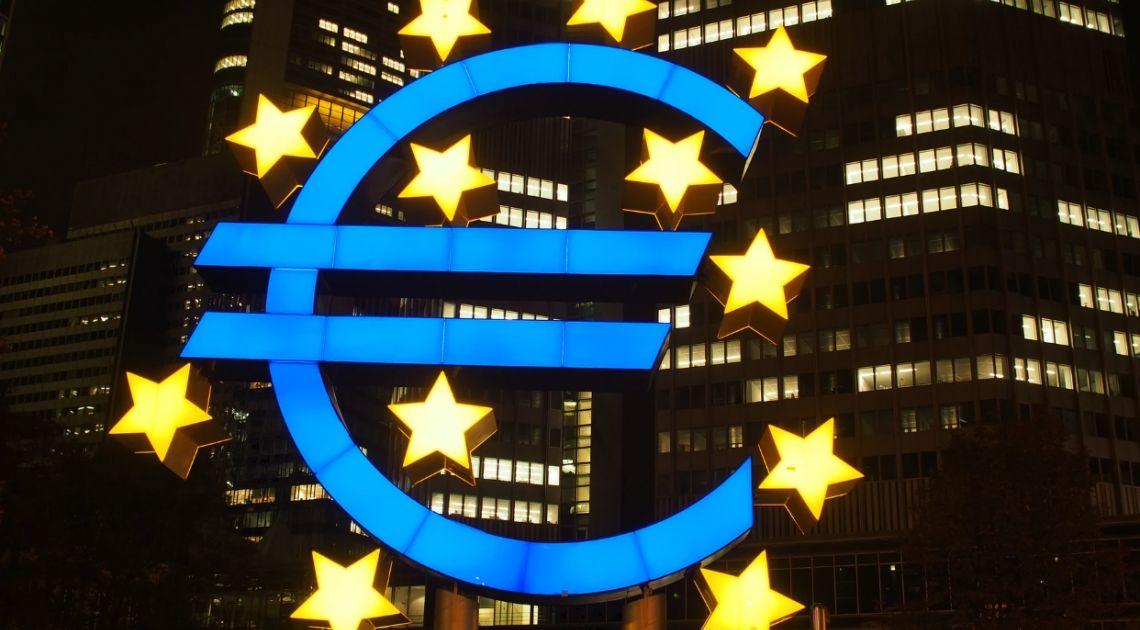 Kurs euro (EUR) względem dolara (USD) wyjątkiem. Waluty nowozelandzka i australijska mocne. Szybsza poprawa w USA i Kanadzie