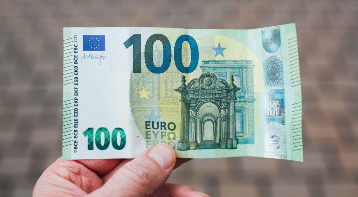 Kurs euro EUR/PLN powrócił do 4,40 złotego. Złudne techniczne sygnały