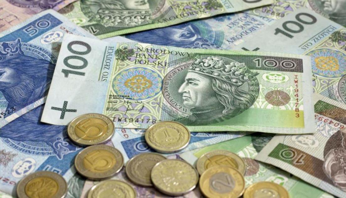 Kurs euro w okolicach 4,30 złotego? Polska waluta będzie słabnąć? Odczyty inflacji w centrum uwagi