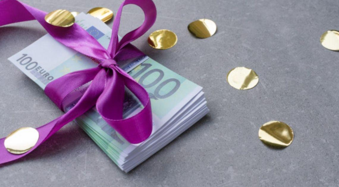 Kurs euro zbliża się do 4,60 złotego. Cena ropy w okolicach 25 dolarów. Spadki na giełdach