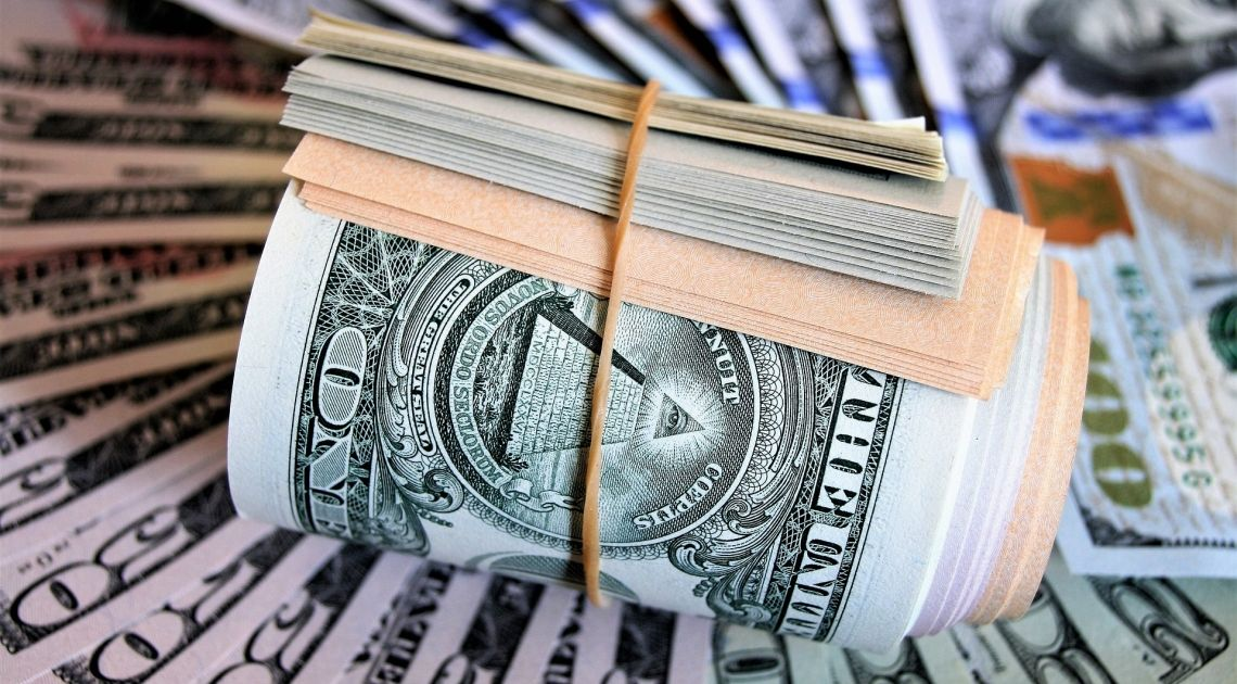 Kurs funta, dolara i franka mocno w górę. Euro zaskoczeniem tygodnia - sprawdzamy kursy walut