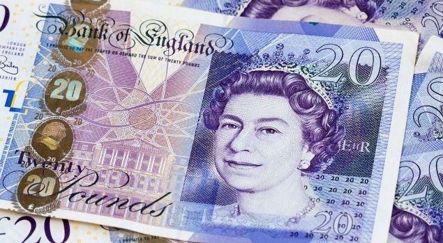 Kurs funta (GBP) do dolara (USD) jest na ponad dwuletnich minimach. Brexitowa niepewność. Powell odkrywa karty
