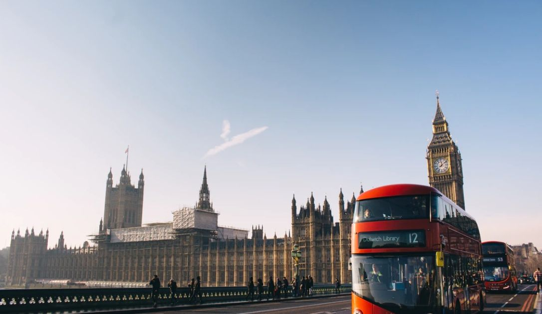 Kurs funta (GBP) poleci w dół? Co ogłosi jutro Bank Anglii?
