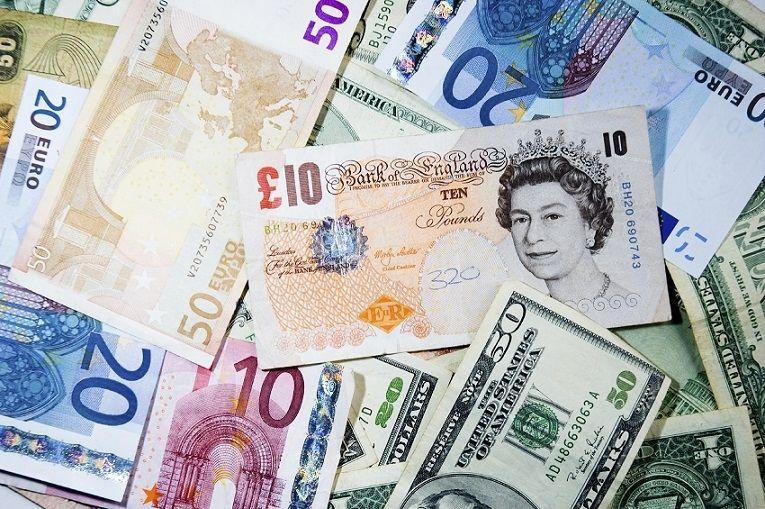 Kurs funta GBP/PLN w górę. Dolar USD odrabia straty