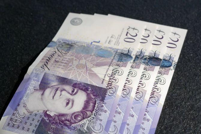 Kurs funta GBPPLN najniżej od stycznia! Dolar USDPLN nadal w trendzie bocznym. Analiza  kursów walut