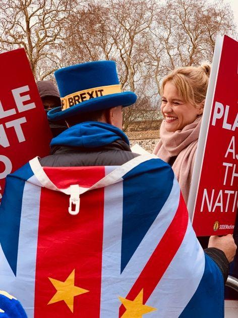 Kurs funta odpalił! Znamy wyniki exit polls w Wielkiej Brytanii. Ależ wzrosty brytyjskiej waluty