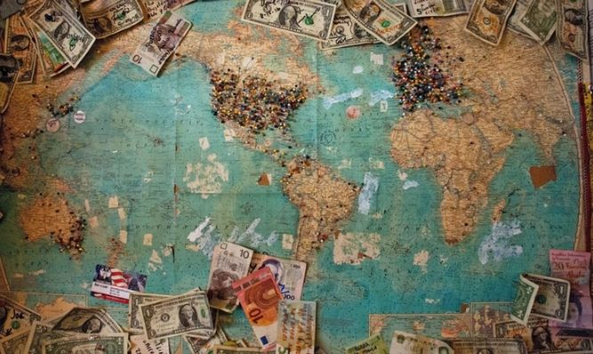 Kurs funta po 4,785 złotego. Zobacz też jak dolar, euro i frank zachowują się w piątkowy poranek