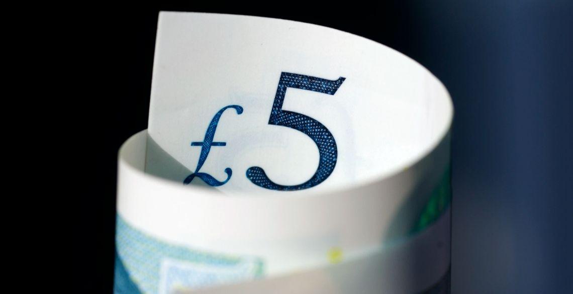 Kurs funta pod 4,94 złotego. Frank przy 4,17 zł. Dolar na poziomie 3,92 PLN. Komentarz walutowy - RPP bez zaskoczenia