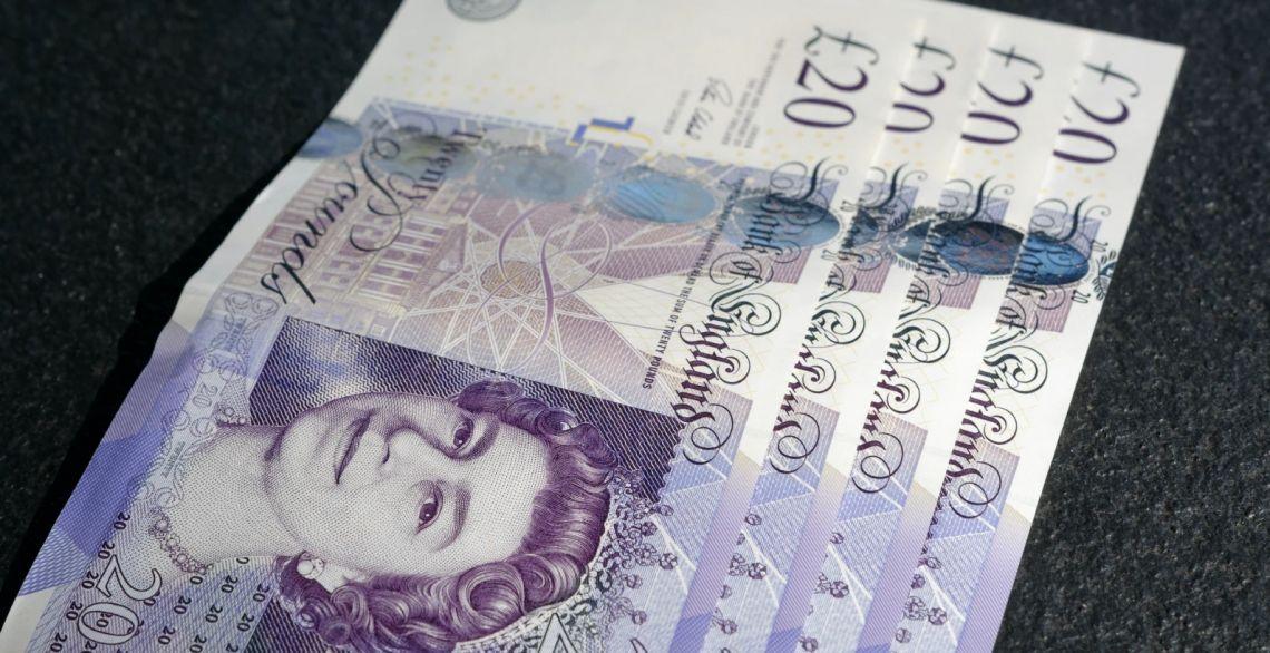 Kurs funta powyżej 4,93 złotego. Frank pod 4,15 zł. Sytuacja na kursie euro do dolara (EUR/USD)