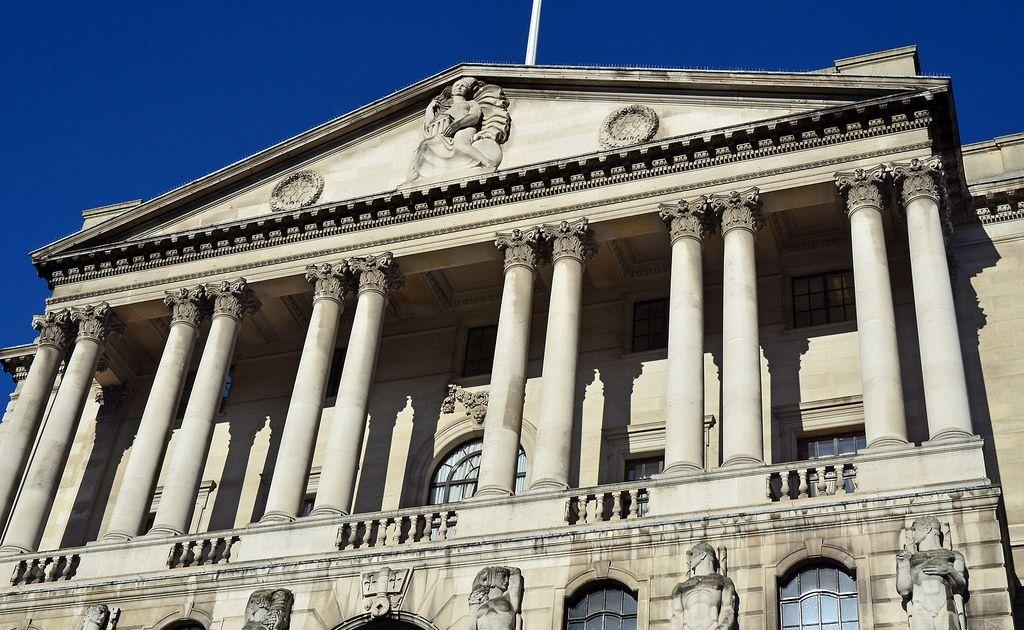 Kurs funta w górę - Bank Anglii bardziej jastrzębi niż się spodziewano