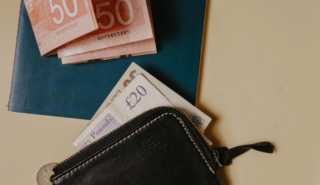Kurs funta względem dolara (GBP/USD) - test wsparcia na poziomie 1,2250