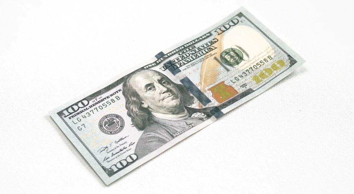 Kursy dolara, franka i jena utrzymują przewagę. Wpływ danych na euro i funta. Dzień na rynku