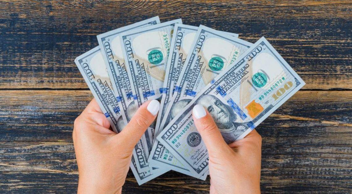Kursy walut (euro, dolar, frank, funt). Słabe dane nie przeszkadzają inwestorom