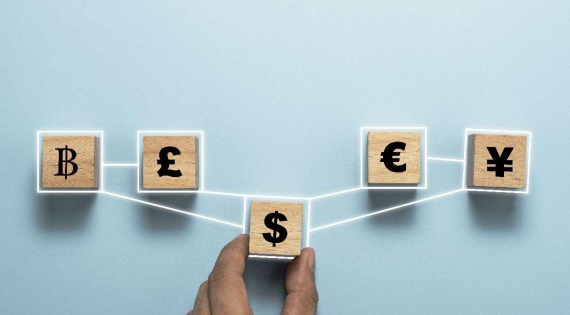 Kursy walut na FX. Mocne i słabe strony funta brytyjskiego. Co dalej z kursem GBP?