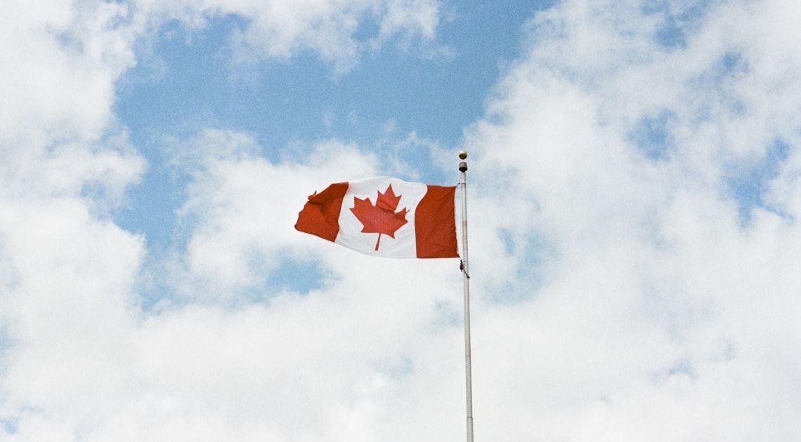 Mocne wzrosty dolara kanadyjskiego, przeciwnie na srebrze. Gdzie możemy doszukiwać się bezpiecznych przystani?