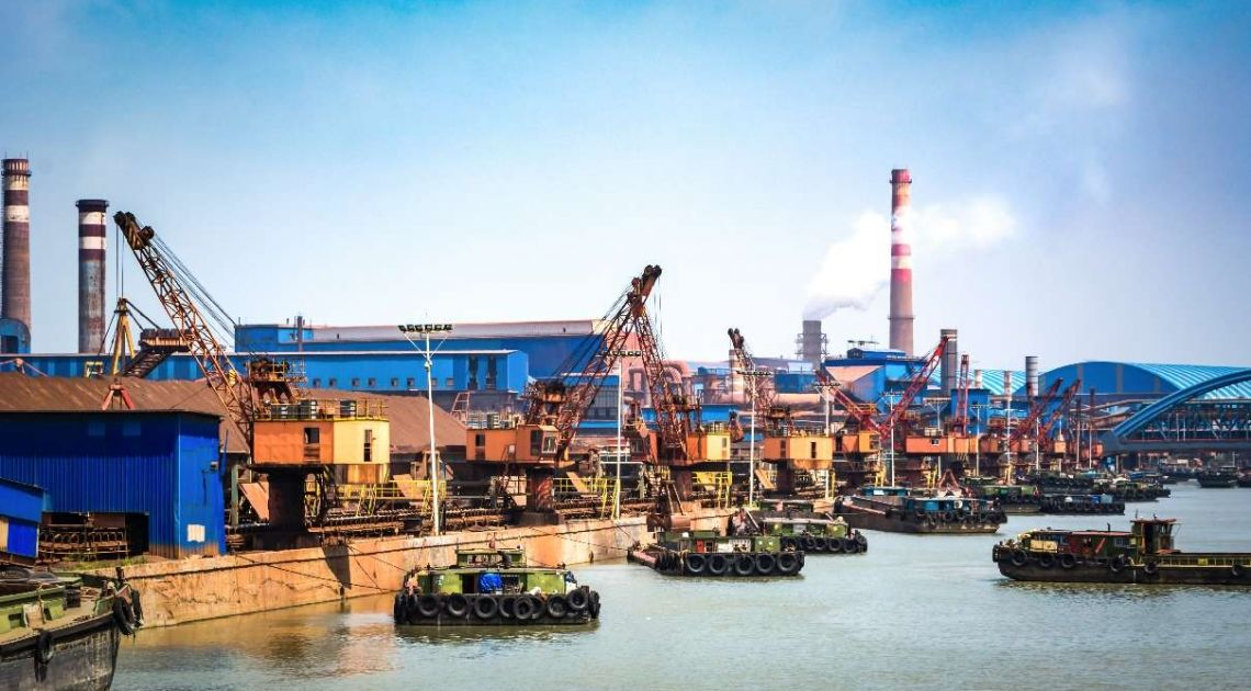 Nerwowy początek tygodnia na rynku ropy naftowej! Dynamiczne przeceny cen WTI oraz BRENT