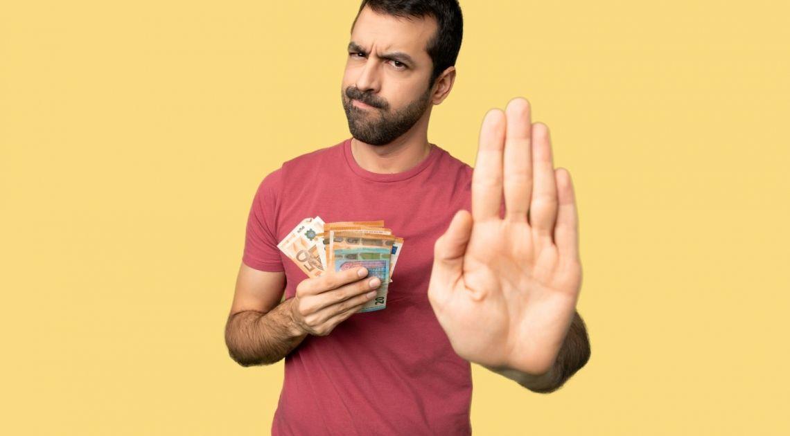 Nie tym razem! Nie daj się oszukać na wymianie euro, dolara, funta czy franka w ten weekend. Sprawdź kursy walut złotego