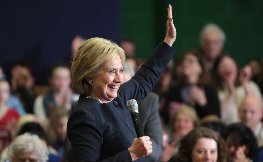 Niedzielne rewelacje dotyczące Clinton - luki na parach walutowych i spadek awersji do ryzyka