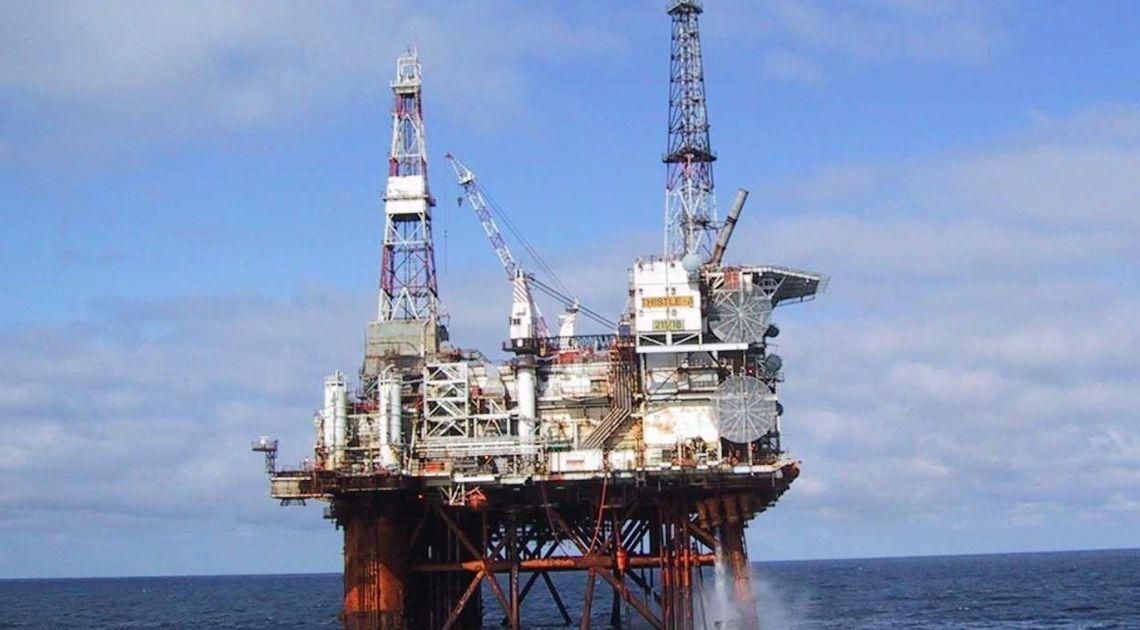 ropa naftowa, makroekonomia
